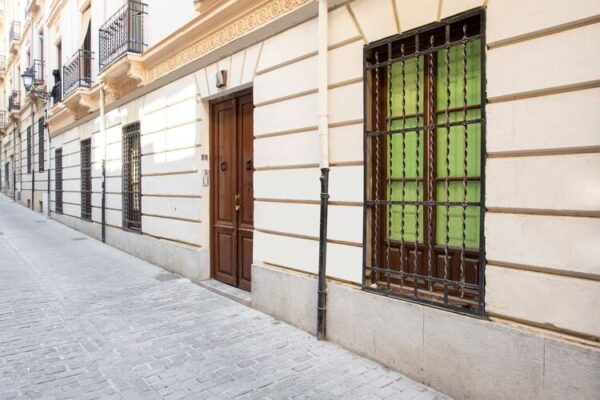 Gran Casa En El Centro De Granada