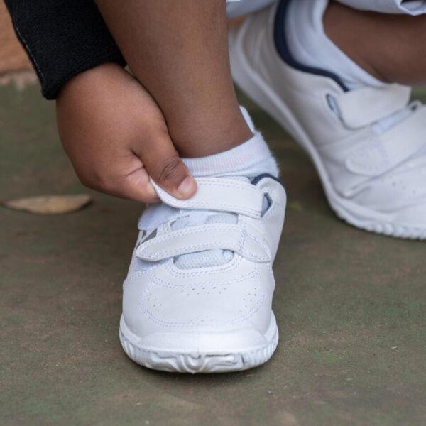 Kids' Tennis Shoes TS100 - White - UK 12C EU31 By ARTENGO   Decathlon